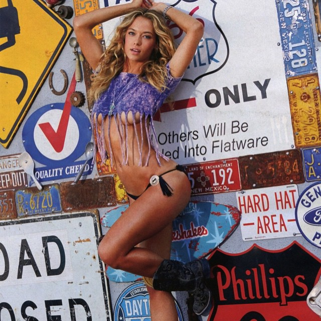 #fbf @si_swimsuit #route66 #signs #roadtrippin #countrygirl #boots # #SportsIllustrated # @benmorrisphoto # @patrickdefontbrune # @mj_day @darciebaum @ja_neyney @trumpmodels