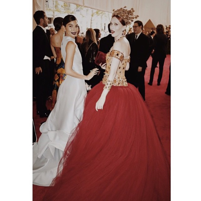 Snapped on the Red Carpet by @MarioTestino with the Divine & Flawless @MissKarenElson @VogueMagazine emoji #MetGala