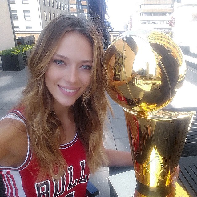 "So cool to get the chance to meet ""Larry"" the Larry O'Brien NBA Championship Trophy before tonight's big game! I've got the Bulls, who's your team?? @nba @chicagobulls @cavs @tiffanyandco #nbaplayoffs #nbatrophy #bulls #cavs #basketball @si_swimsuit @trumpmodels @thedooronline"