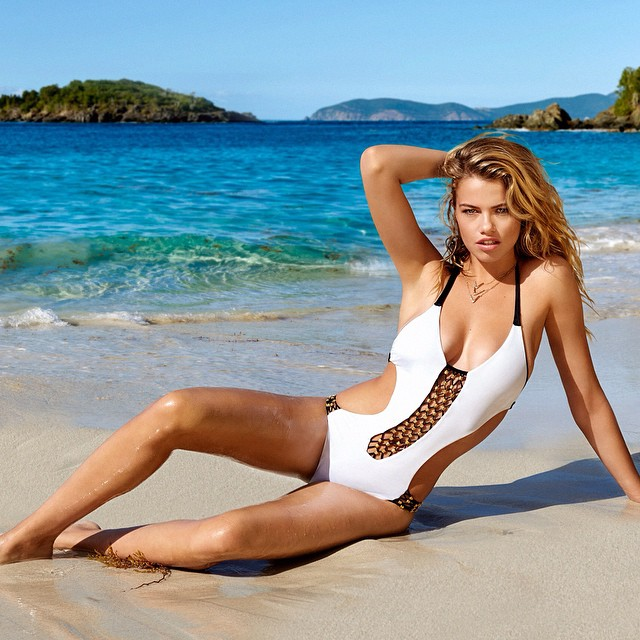 Style your summer 'Lost Coast' reversible one-piece on babe @haileyclauson | #beachbunnyswim #yutsaiphoto #summer