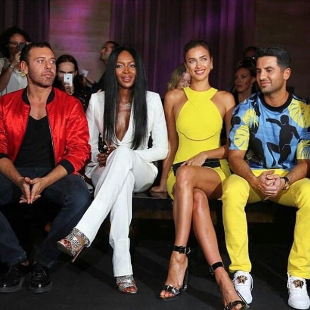 Let's get it started... MEDUSIFICATIONS! Amazing show Donatella, we had a blast! #TeamDV @versace_official @mertalas @iamnaomicampbell @alikavoussi