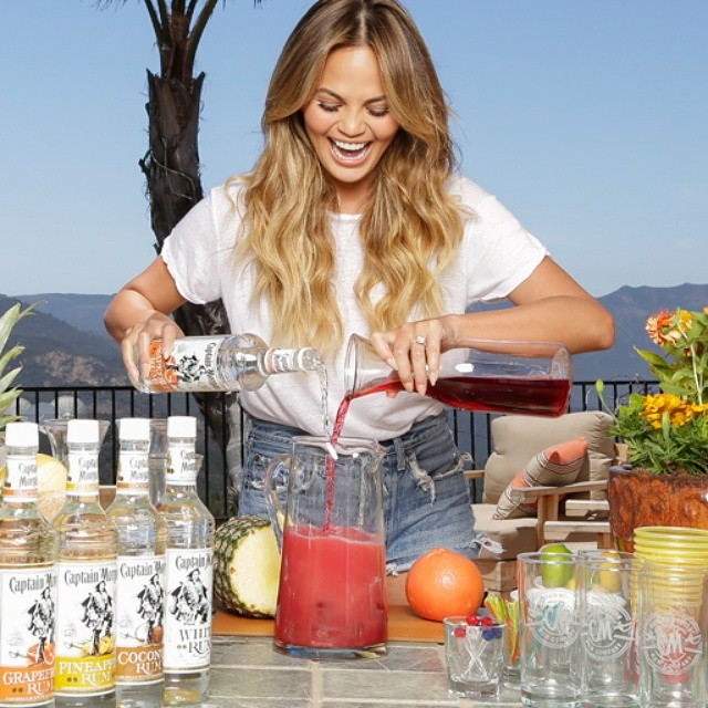 Can't wait to go home and make some new drinks with @CaptainMorganUS for my 4th of July party! #SunsOutRumsOut #spon