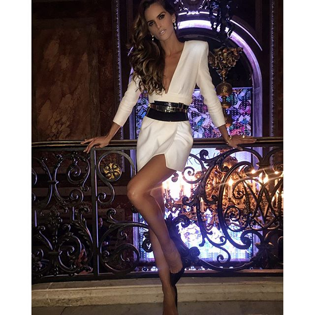 Thank you @swarovski for last night!! Loved the core collection. @alexandrevauthier What a stunning dress!! You rock!! Thank you!! #lastnight #swarovski #celebration #dress #alexandrevauthier #pfw #ootn