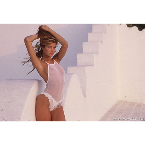 We're loving these old school @si_swimsuit finds. Here's @stephanieseymourofficial photographed by Marc Hispard in Costa Careyes, Mexico in 1989! #tbt #mexico #siswim #siswimsuit #stephanieseymour