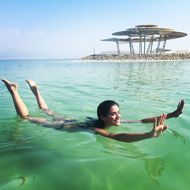 ook mom I can float! #deadsea