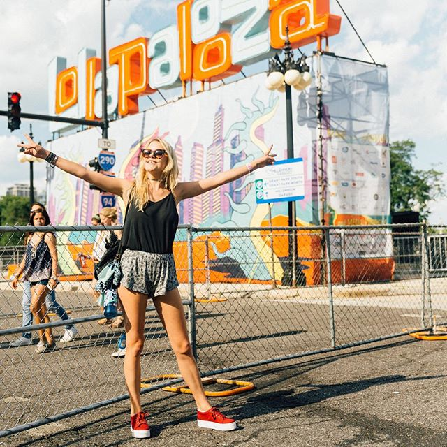 Check out my Lollapalooza travel diary on @styledotcom featuring @RVCA_womens and @VirginHotelsChi photos by @melodiejeng (link in bio)