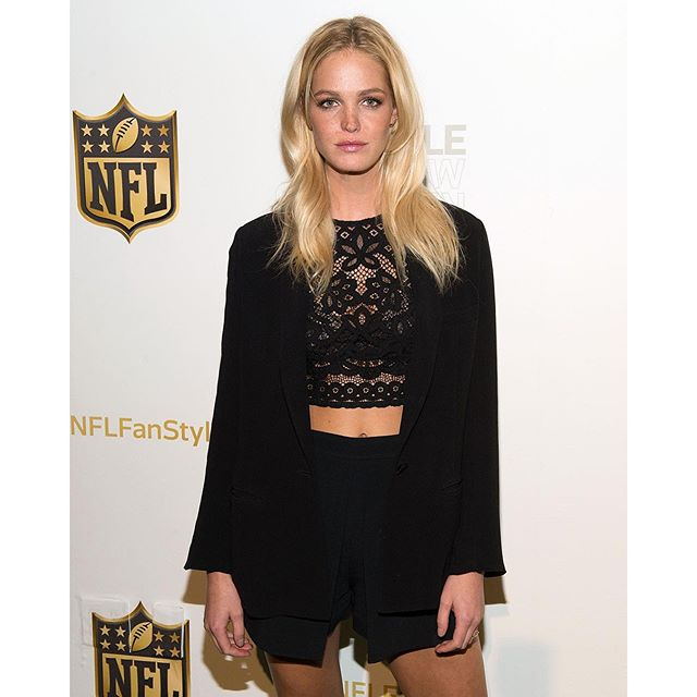 Great time tonight with @NorthwestLegit seeing all the amazing @NFL styles #NFLWomensStyleShowdown #NFLFanStyle