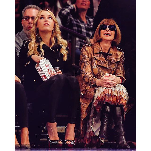 Not quite sure what we are looking at #lastnight #courtside #annawintour