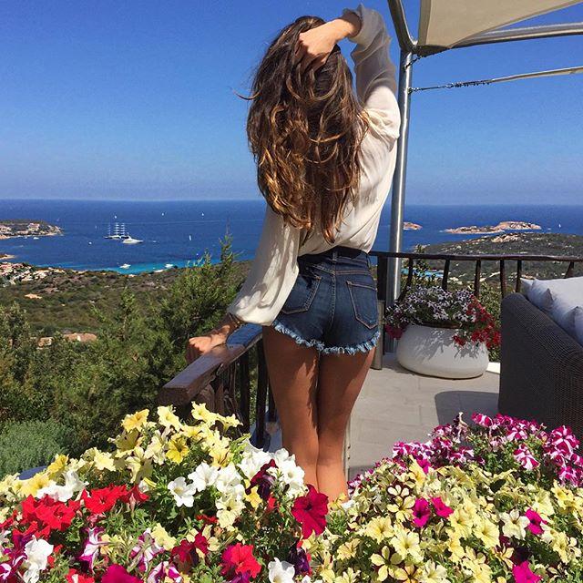 Holidays mode !! Buongiorno Italia Bom dia Itália!! #goodmorning #europe #italy #mediterraneansea #eurosummer #natureza #praia #sardegna #ferias #veraoeuropeu