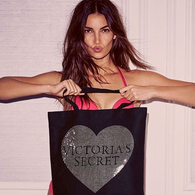@VictoriasSecret #BlackFriday on now kiss