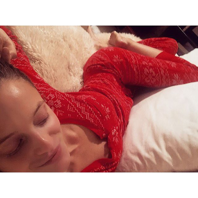 It's the most wonderful time of the year ... CHRISTMAS PJ SEASON !! My fav #victoriassecret go to set -- Anyone got recommendations for Xmas PJs 2015 ???