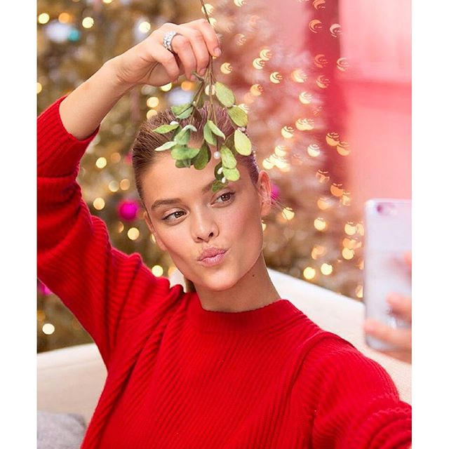 Its time for that mistletoe selfie! @michaelkors #justbecause camera @masha.photo