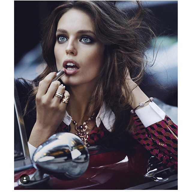 Just casually applying my @maybelline #ColorSensational lipsick for @voguemexico styling by @sarahgorereeves hair @felixfischerhair photo @david_roemer #maybellinegirls
