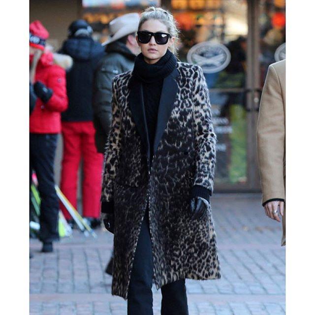@gigihadid's leopard coat is spot on!