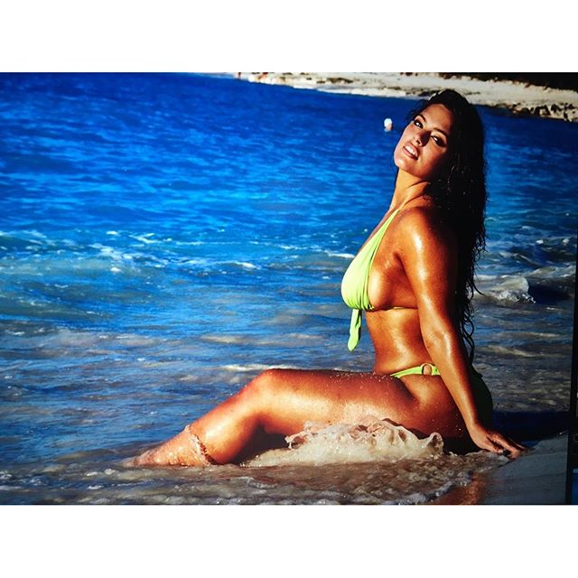 Remembering when I snapped this image of @theashleygraham off the monitor as @jamesmacari took the photo freaking out over what a #hot #sexy #babe she is!! #straightoffthecamera #turksandcaicos #yesplease #siswim