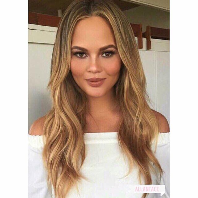 More pregnant More perfect. Ugh. @ChrissyTeigen #Makeup: @allanface #Hair: @JenAtkinHair #HairColor: @TracyCunningham1 #HairLength: @PriscillaValles #Stylist: @anitapatrickson #ChrissyTeigen #PregnantAndPerfect #Glowing #Radiant #allanface