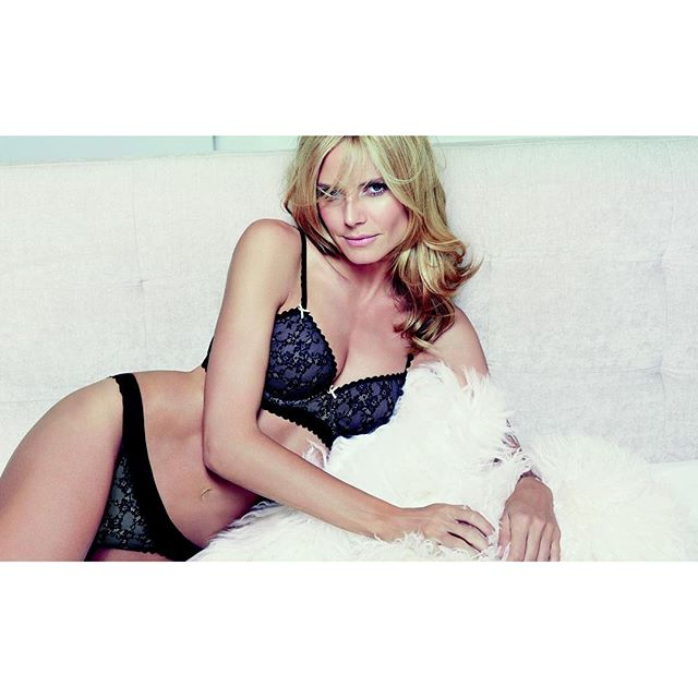 Love @heidiklumintimates sheer infinity bra. Who says practical can't be sexy too?