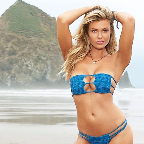 Want to win a date with @si_swimsuit model @samanthahoopes_ ? Click the link in our bio to find out how! #siswim #SchickMagnet
