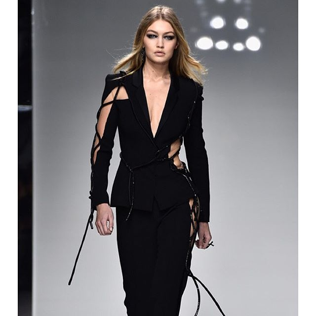 Gigi Hadid struts her stuff at Paris Fashion Week. dancers (Pascal Le Segretain/Getty)