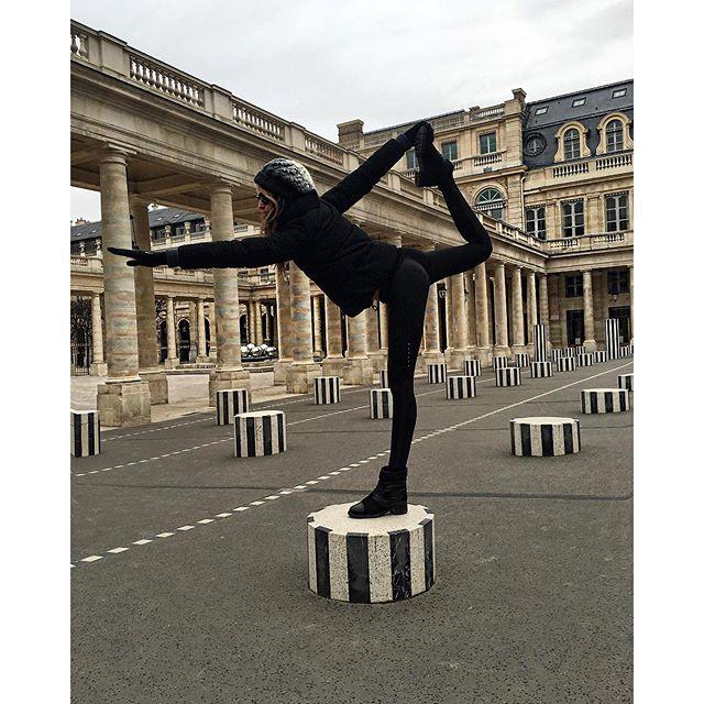 My tourist pose  #paris #BodyByIza #tourist #yoga #pose #fun #goodtimes #strikeapose