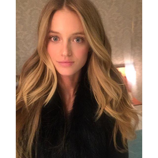 The hair queen performed again Thank you @annastasiakonidaris @pasdedeuxsalon #blondeblondebutnottooblonde