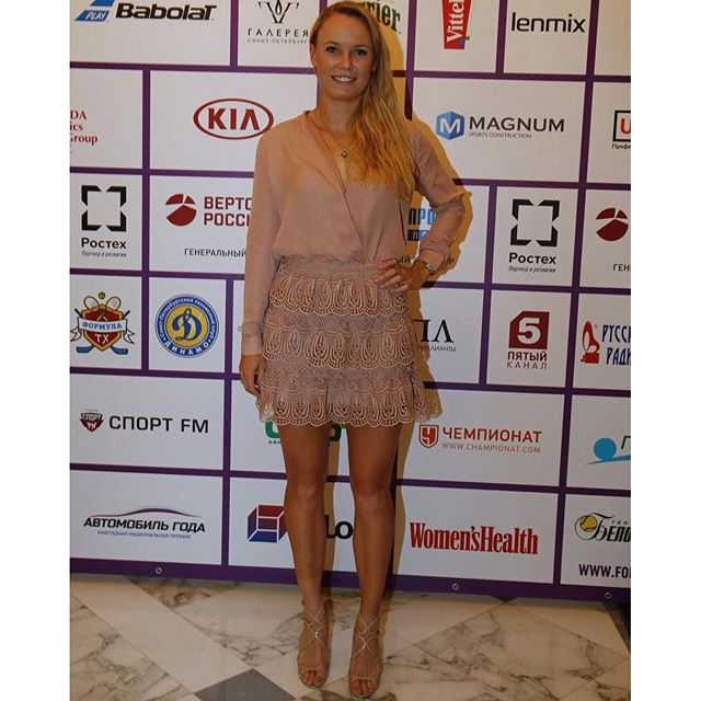 Last night #stpetersburg #redcarpet #nocarpet Thank you @faraleff for the last-minute-clothes-steaming-tips on the go