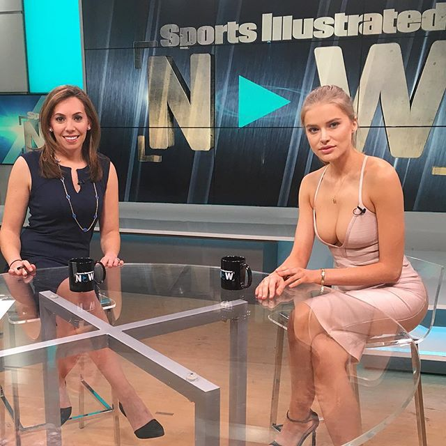 Catch me on SI NOW today at 1pm EST on SI.COM also, don't forget to vote for me for #RookieOfTheYear !!!