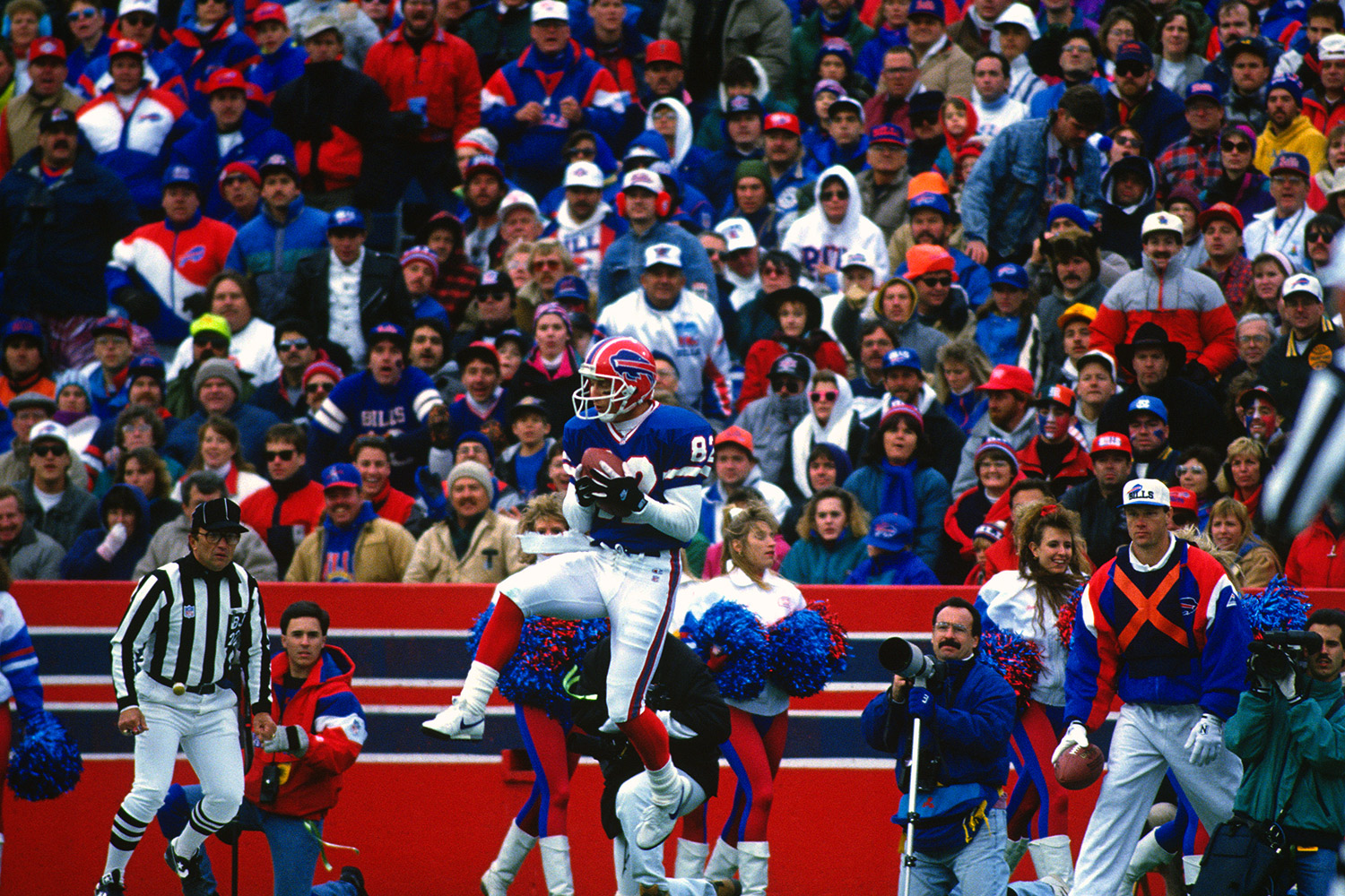 Widely considered to be one of the fastest men in NFL history, Beebe was selected with the 82nd overall pick in the 1989 NFL Draft by the Buffalo Bills. Beebe was also one of only two players to have appeared in six Super Bowls. (*Beebe's time was calculated before the NFL implemented electronic timing to improve accuracy.)