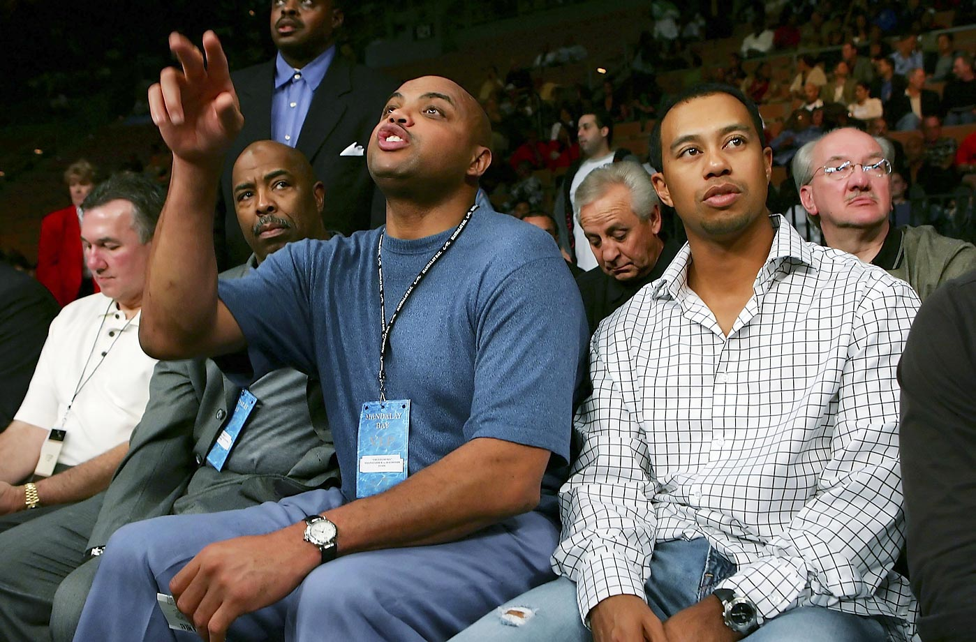 Tiger Woods and Charles Barkley at the Robert Guerrero-Orlando Salido fight.