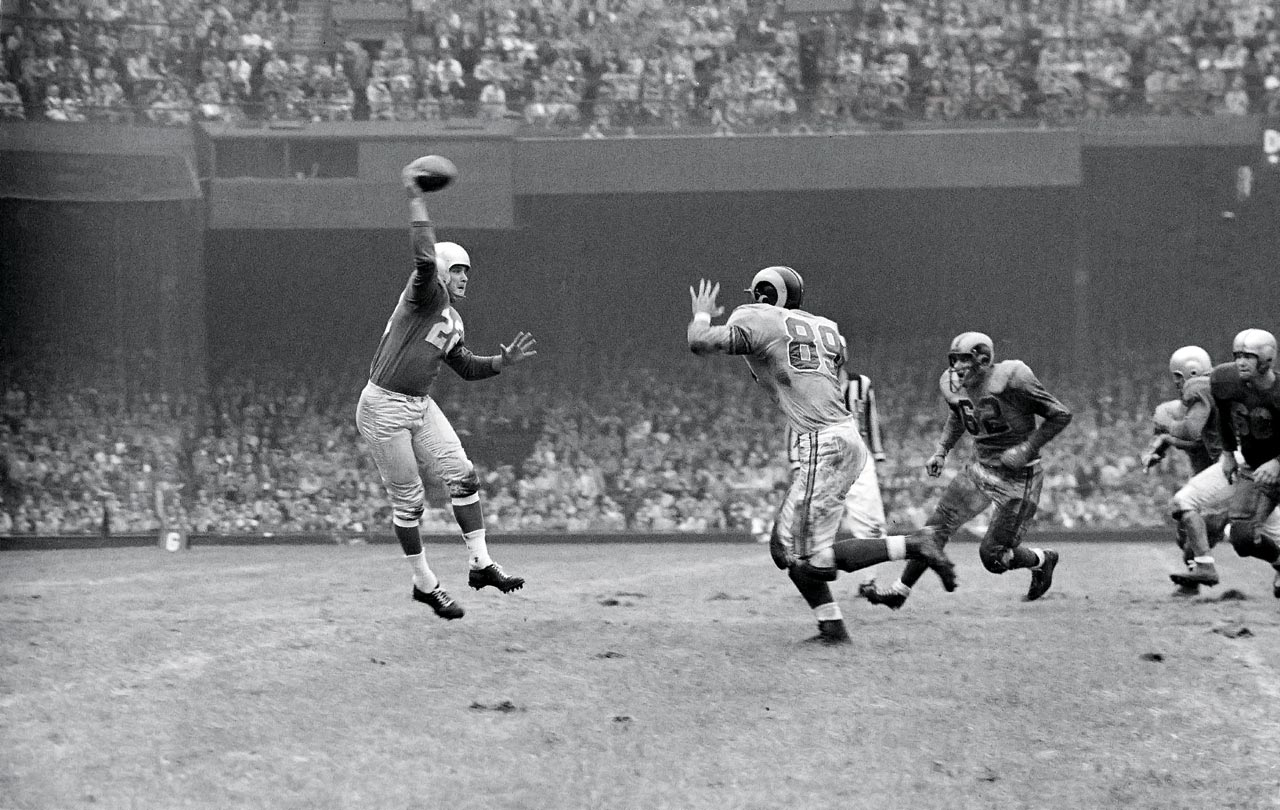 Bobby Layne led the Detroit Lions to NFL titles in 1952 and '53, but had to settle for a conference crown in '54.