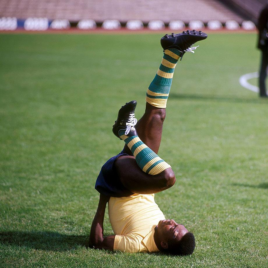 Pelé loosens up before a 1966 match.
