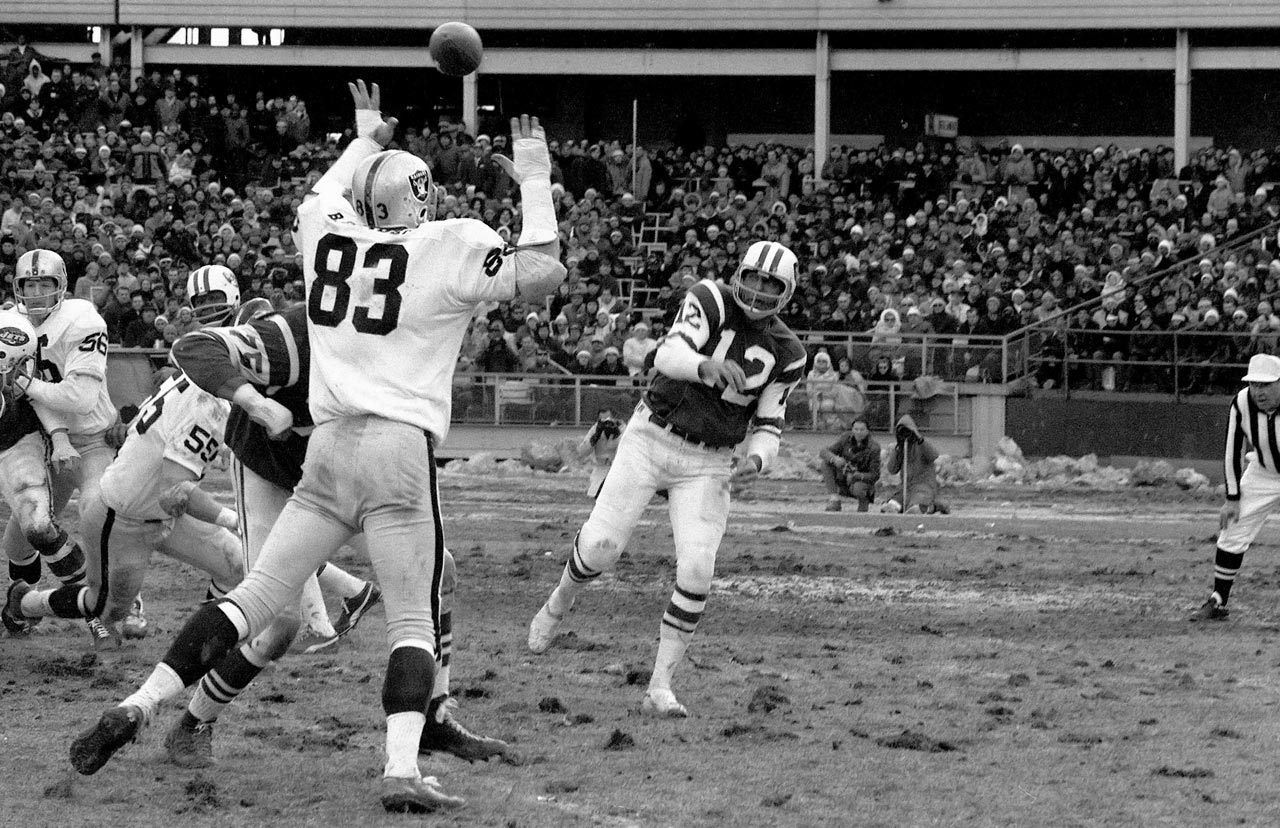 The Jets advanced to Super Bowl III with a 27-23 win over the Raiders in the American Football League Championship. Quarterback Joe Namath tossed three touchdowns. Two weeks later, Namath and Co. shocked the world with a 16-7 win over the Colts.