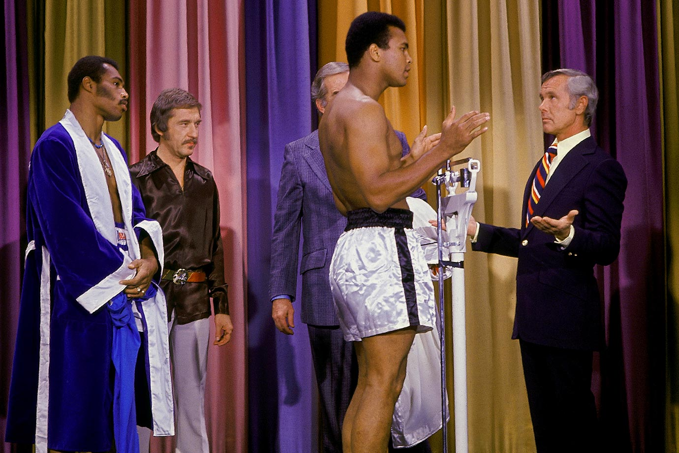 The fighters weigh in on the Tonight Show with Johnny Carson ahead of Ali and Ken Norton's September 1973 fight.