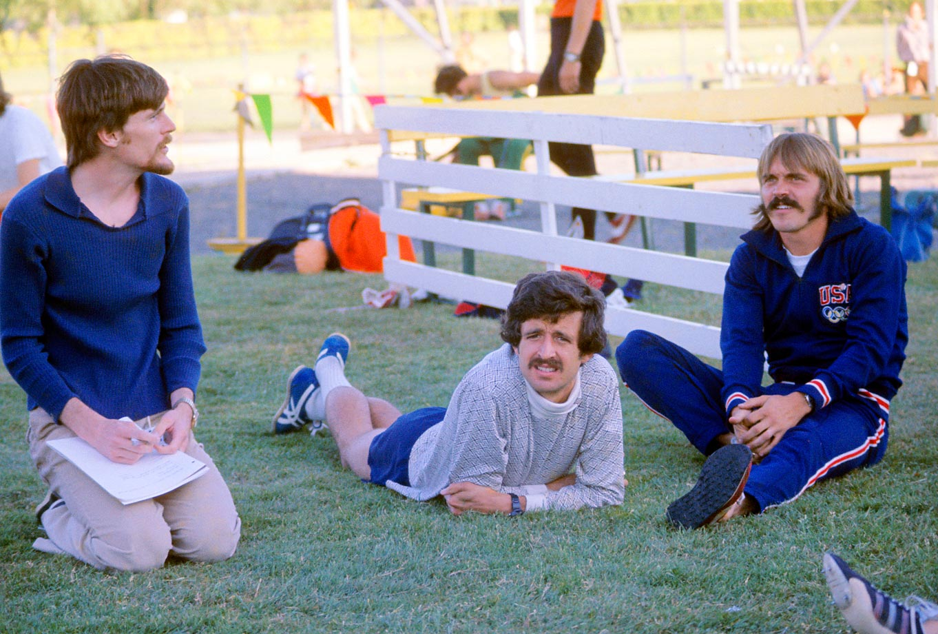 Steve Prefontaine (right), Frank Shorter (center) and Sports Illustrated writer Kenny Moore before the 5,000-meter race at the Finland Track meet in 1975.