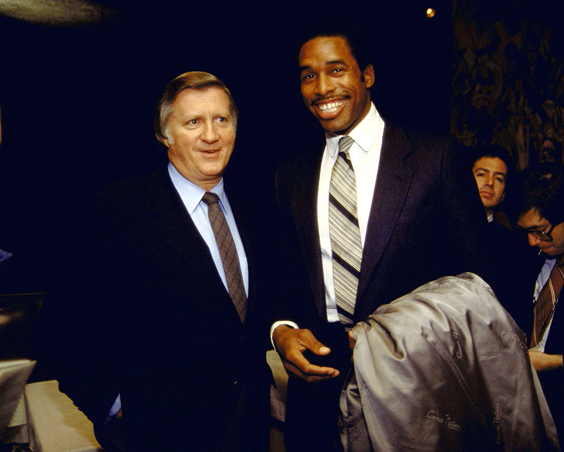 George Steinbrenner poses with newly acquired New York Yankee Dave Winfield during a press conference on Jan. 15, 1981 at Yankee Stadium in Bronx, N.Y.
