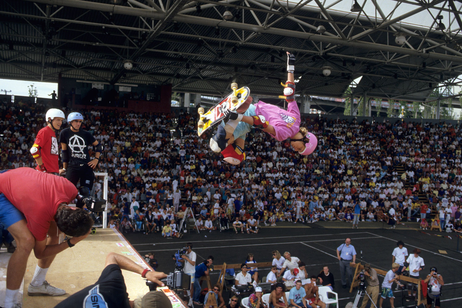 Just as his stardom began to grow, onlookers stood in awe of Hawk at the Skateboarding World Championships in 1986.