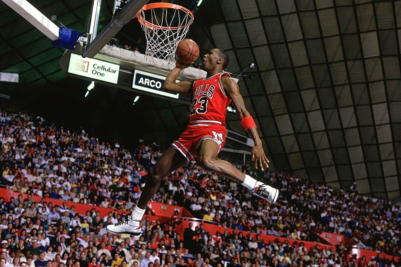 Michael Jordan goes up for a dunk during the 1987 NBA All-Star Slam Dunk Contest.