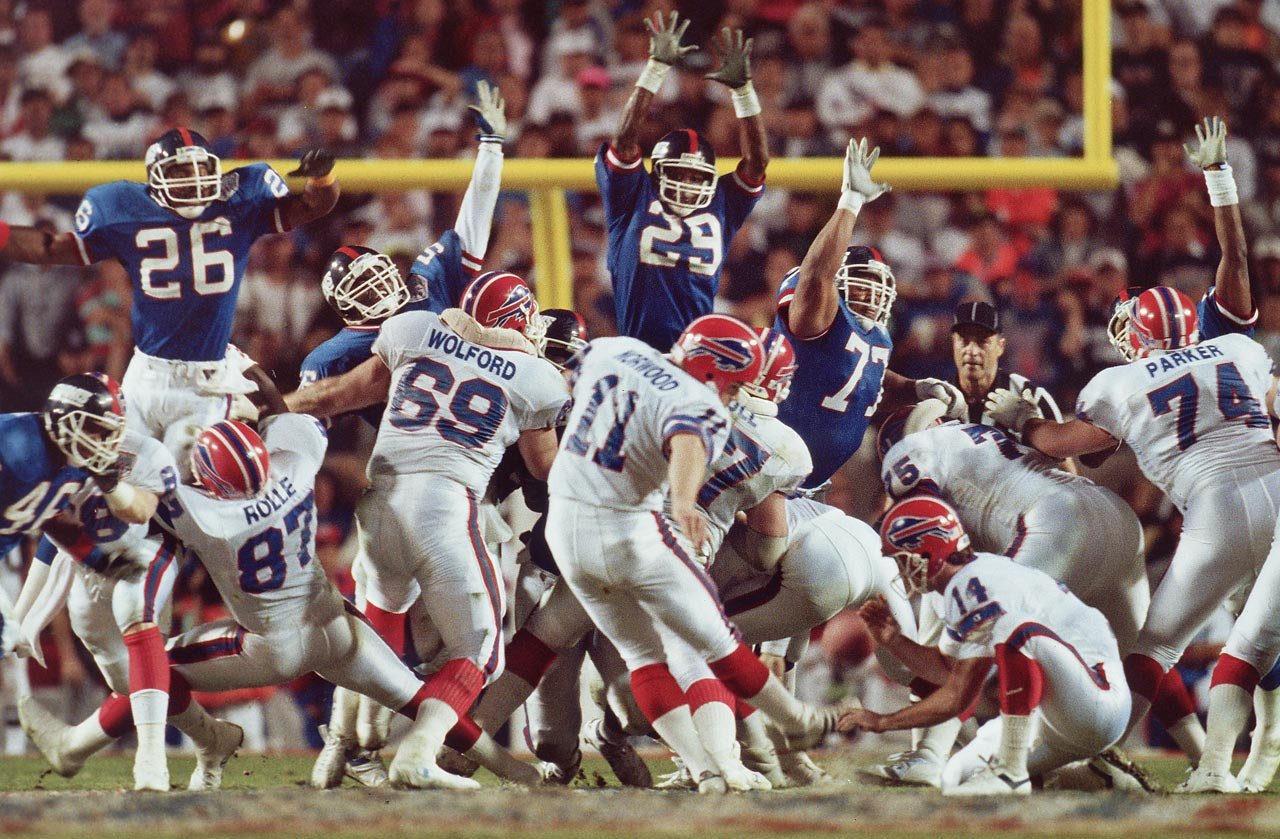 Buffalo Bills kicker Scott Norwood sends his game-winning field goal attempt wide right, securing the New York Giants' 20-19 victory.