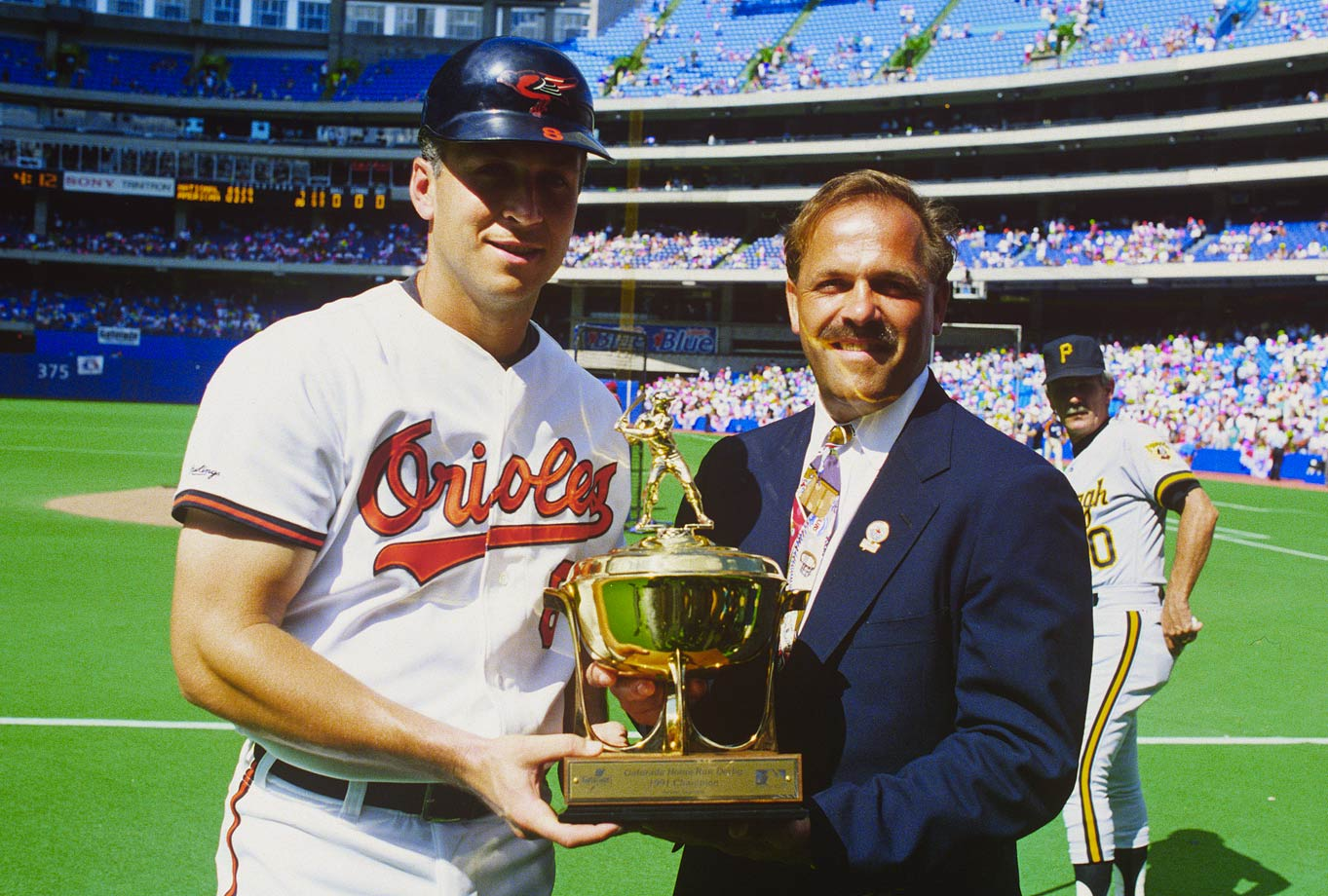 Cal Ripken Jr. blew away the field with 12 home runs at the Skydome and then homered in the All-Star Game as well to take home MVP honors. He is one of only three players to win the Derby and homer in the Game, with Frank Thomas (1995) and Garret Anderson (2003) being the others.