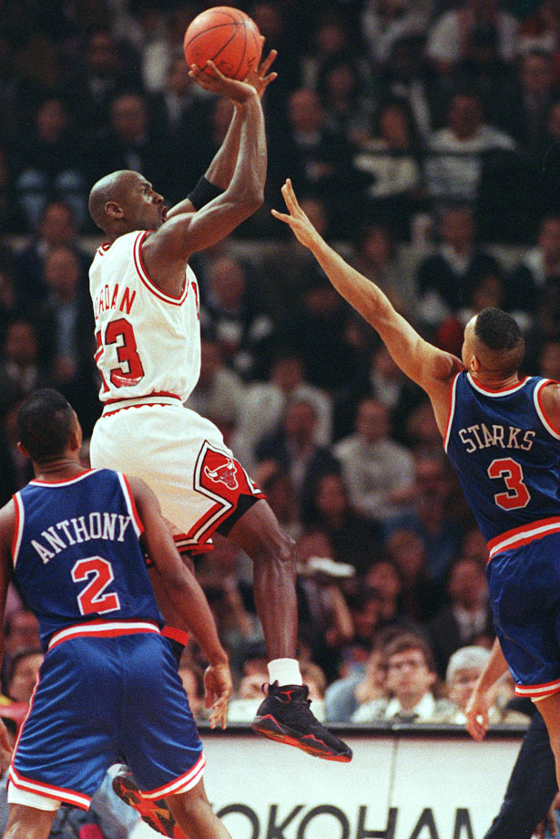 After the 1992-93 NBA season, Jordan turned in his Bulls jersey for a batting helmet and a pair of cleats. But before he broke Chicago's heart, he gave them one hell of a Christmas gift. Facing the Knicks, Jordan went off for 42 points, eight rebounds, five assists and three steals in the Bulls' 89-77 victory.