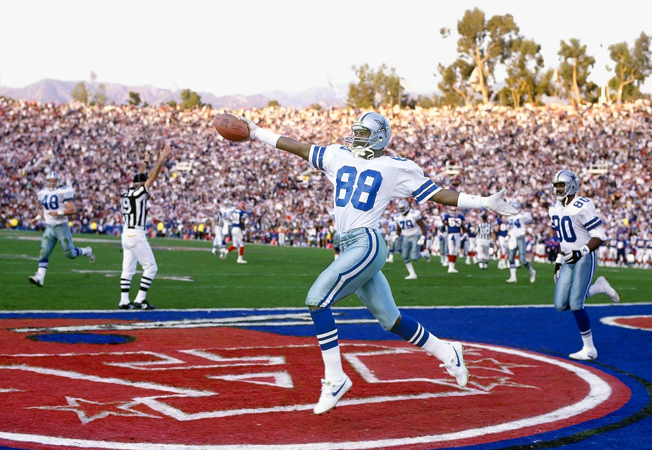 Michael Irvin struts after catching a touchdown pass against Buffalo.