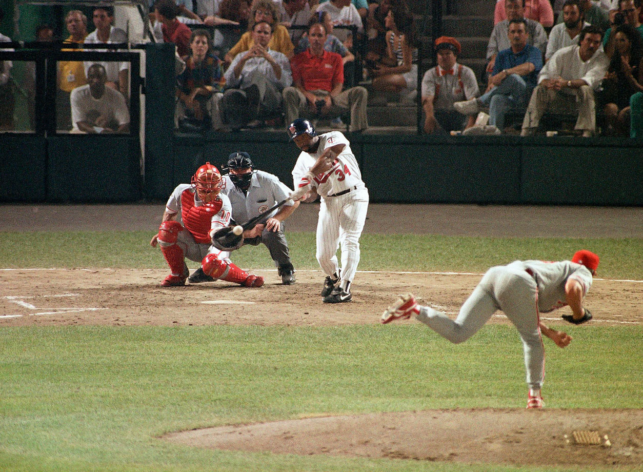 Kirby Puckett hits a home run off Phillies pitcher Terry Mulholland during the second inning of the All Star game.