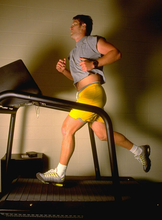 Before lunch Favre hits the treadmill.