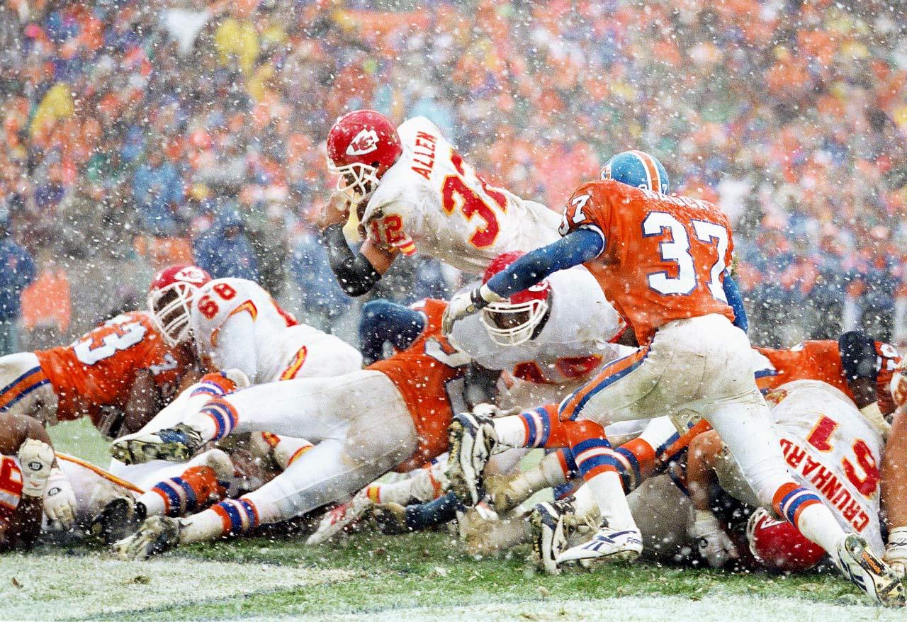 Chiefs back Marcus Allen scored the 100th of his 123 career rushing TDs, in Denver.