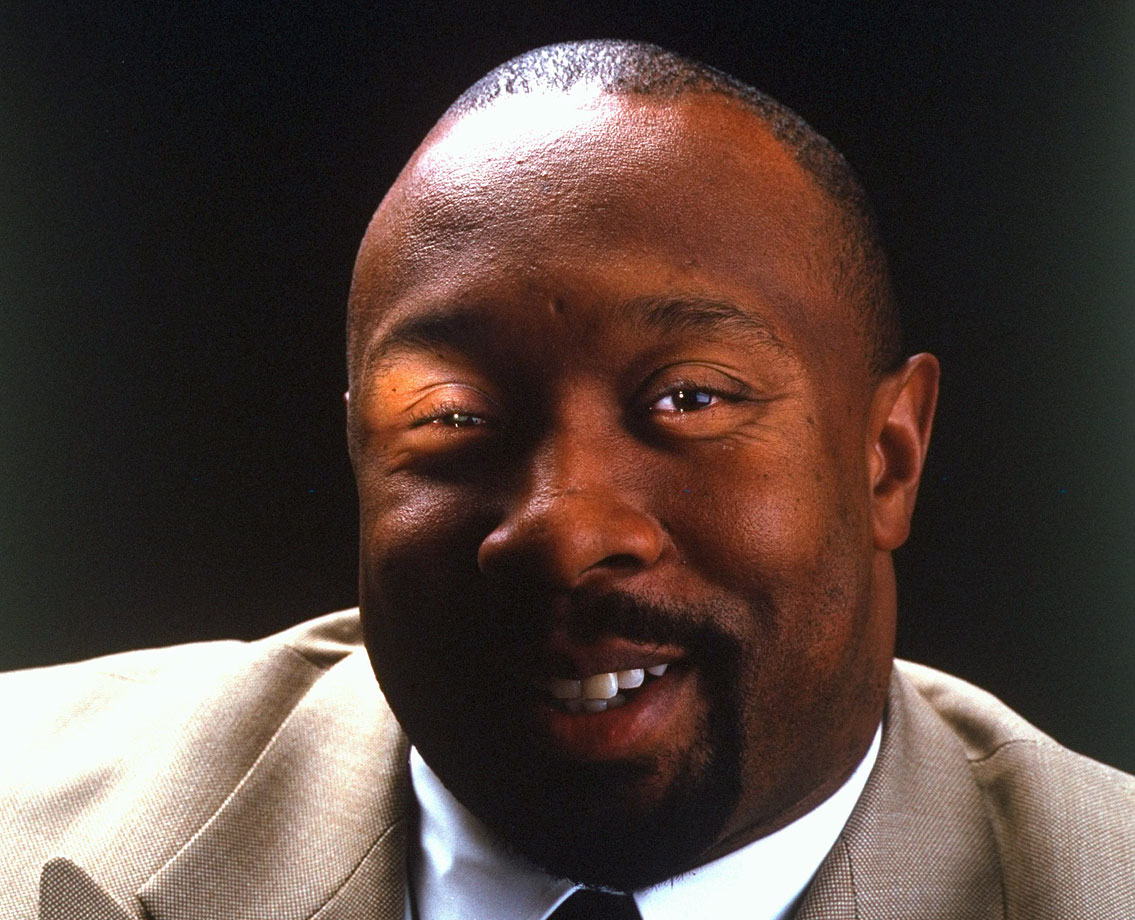 Kirby Puckett smiles for this SI portrait.