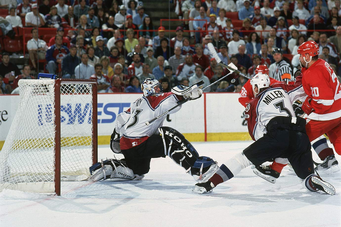 May 16, 1999 — Western Conference Semifinals, Game 5 (Avalanche vs. Red Wings)