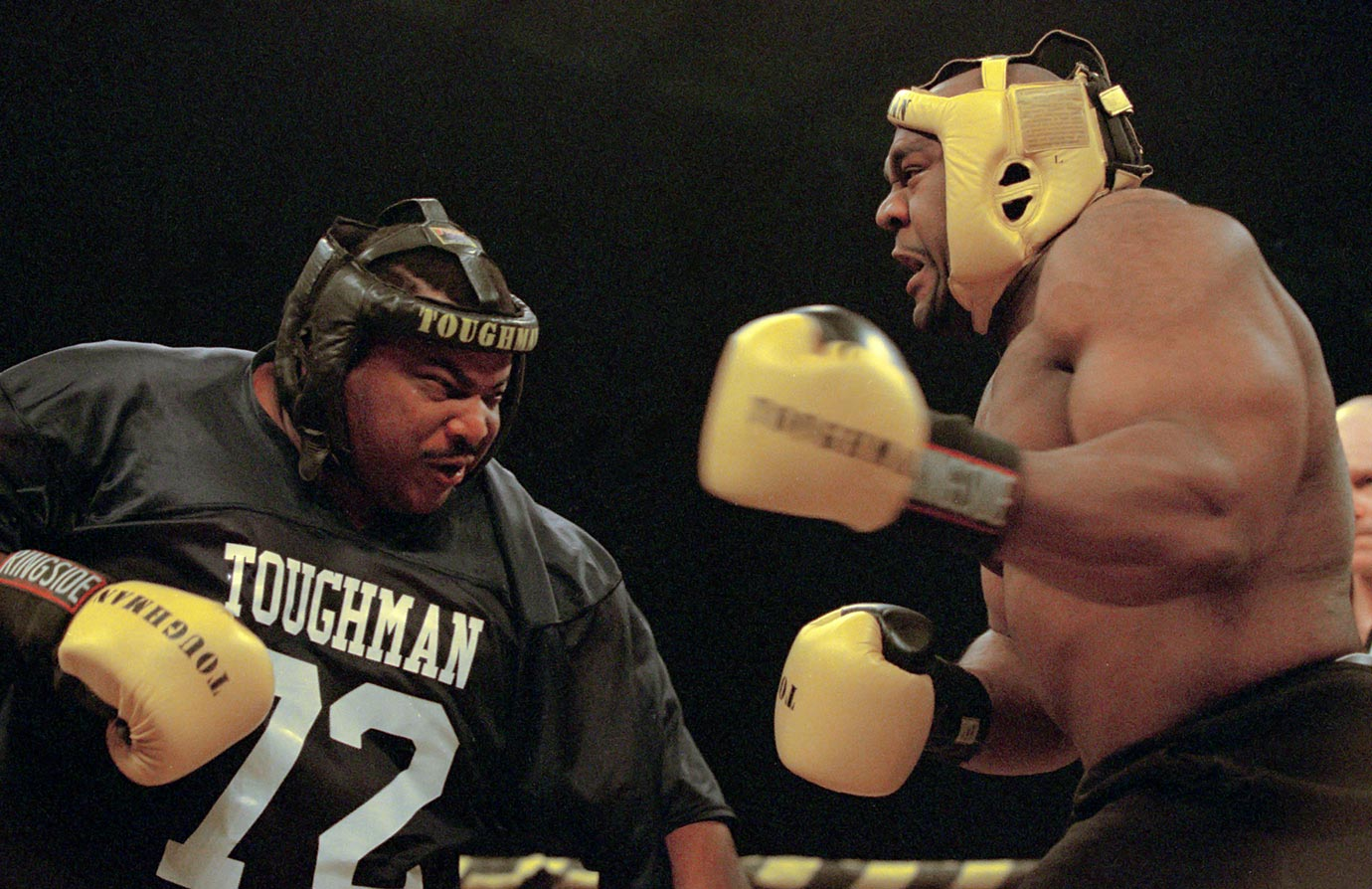 Nov. 4, 2000 — Toughman Boxing Competition