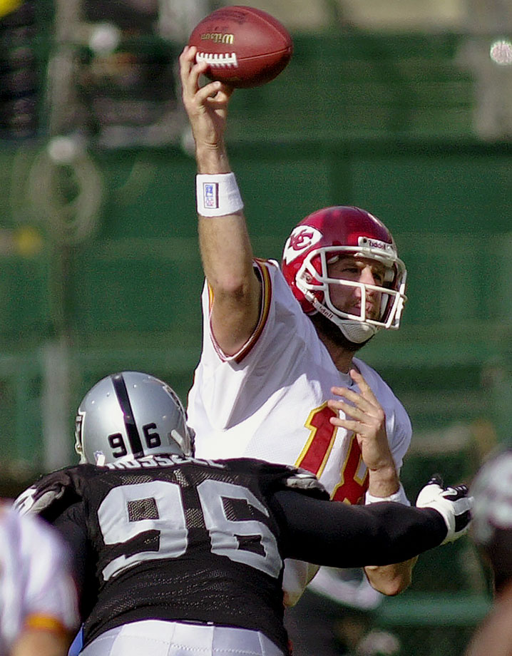 39 of 53 for 504 yards and two touchdowns in a 49-31 loss to the Oakland Raiders at Network Associates Coliseum in Oakland, Calif.