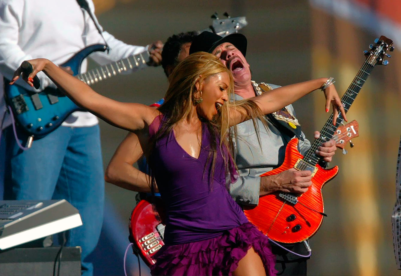 "Beyoncé first got her Super Bowl feet wet back in 2003 when she took the stage with venerable guitartist and songwriter Carlos Santana to perform a spirited version of ""Oye Como Va"" before the start of Super Bowl XXXVII at Qualcomm Stadium in San Diego. Super Bowl XXXVII would also mark the Radiers' first Super Bowl win in franchise history."