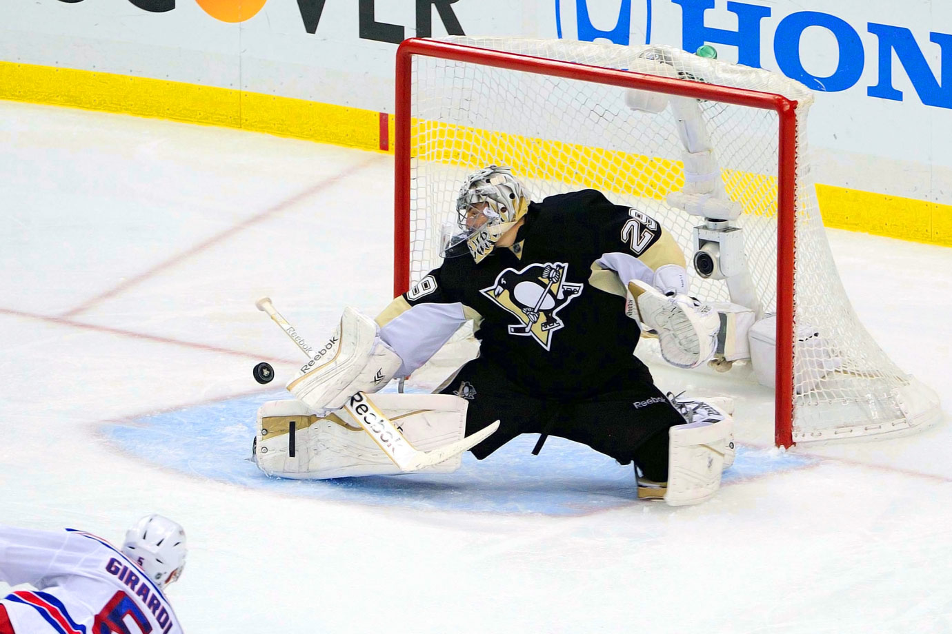 Though unnervingly erratic at times, Fleury proved his mettle during the Penguins' run to the 2009 Stanley Cup, especially during the thrilling seven-game final vs. Detroit. — Notable picks: No. 2: Eric Staal, C, Carolina Hurricanes | No. 5: Tomas Vanek, LW, Buffalo Sabres | No. 9: Dion Phaneuf, D, Calgary Flames | No. 11: Jeff Carter, C, Philadelphia Flyers | No. 17: Zach Parise, C, New Jersey Devils | No. 19: Ryan Getzlaf, C, Anaheim Ducks| No. 28: Corey Perry, RW, Anaheim Ducks | No. 49: Shea Weber, D, Nashville Predators | No. 205: Joe Pavelski, C, San Jose Sharks | No. 245: Dustin Byfuglien, D, Chicago Blackhawks